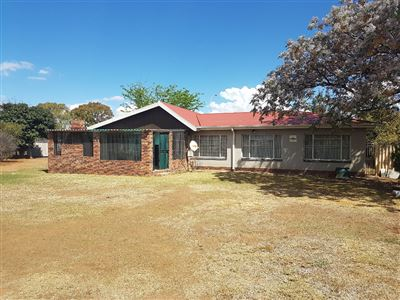 Bloemfontein, Wilgehof Property  | Houses For Sale Wilgehof, Wilgehof, House 3 bedrooms property for sale Price:1,100,000