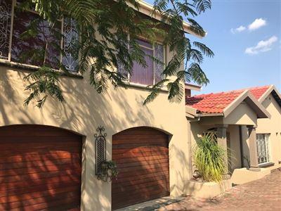 Geelhoutpark property for sale. Ref No: 13541167. Picture no 17