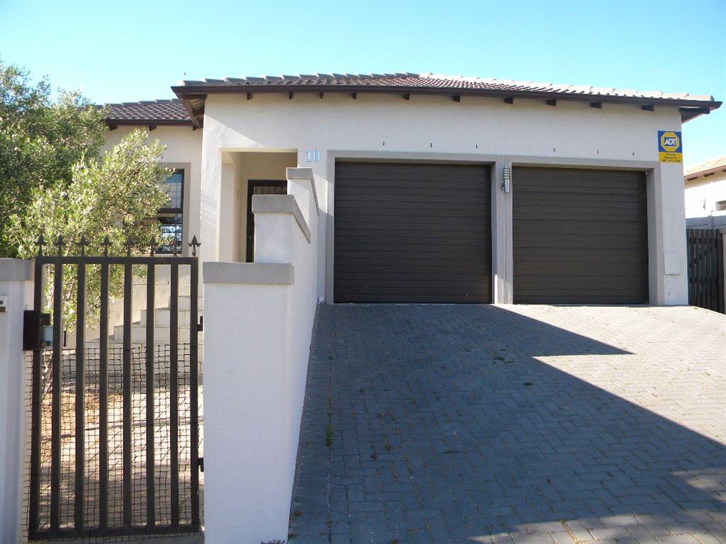 3 Bedroom House For Sale - Langeberg Glen, Kraaifontein