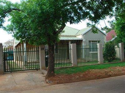 Roodepoort, Roodepoort North Property  | Houses For Sale Roodepoort North, Roodepoort North, House 4 bedrooms property for sale Price:790,000