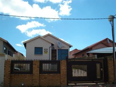 Roodepoort, Fleurhof Property  | Houses For Sale Fleurhof, Fleurhof, House 2 bedrooms property for sale Price:590,000
