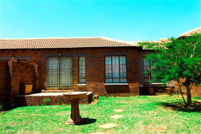 House for sale in Mooikloof Ridge