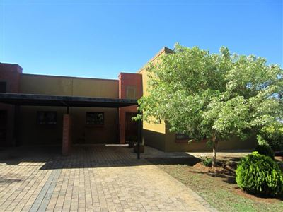 Retirement Home for sale in Waterval East
