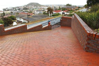 Saldanha Central property for sale. Ref No: 13544163. Picture no 3