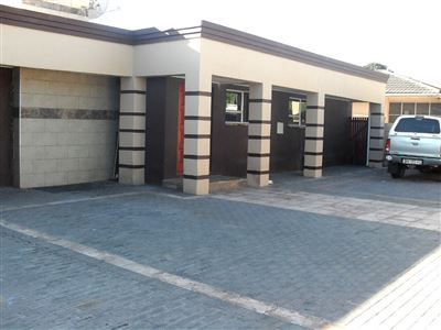 Monte Vista property for sale. Ref No: 13544303. Picture no 1