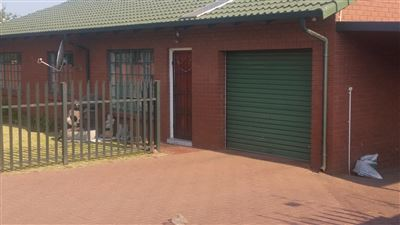 Witbank, Reyno Ridge & Ext Property  | Houses To Rent Reyno Ridge & Ext, Reyno Ridge & Ext, Townhouse 2 bedrooms property to rent Price:,  8,50*