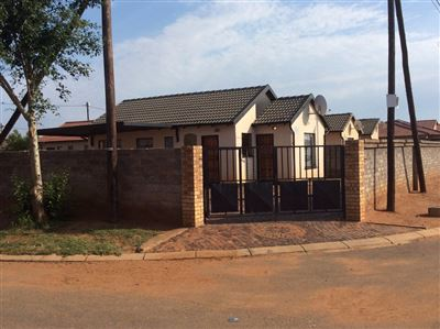 Soweto, Protea Glen Property  | Houses For Sale Protea Glen, Protea Glen, House 3 bedrooms property for sale Price:600,000