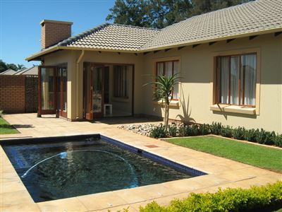 Property and Houses for sale in Equestria, Townhouse, 3 Bedrooms - ZAR 2,390,000