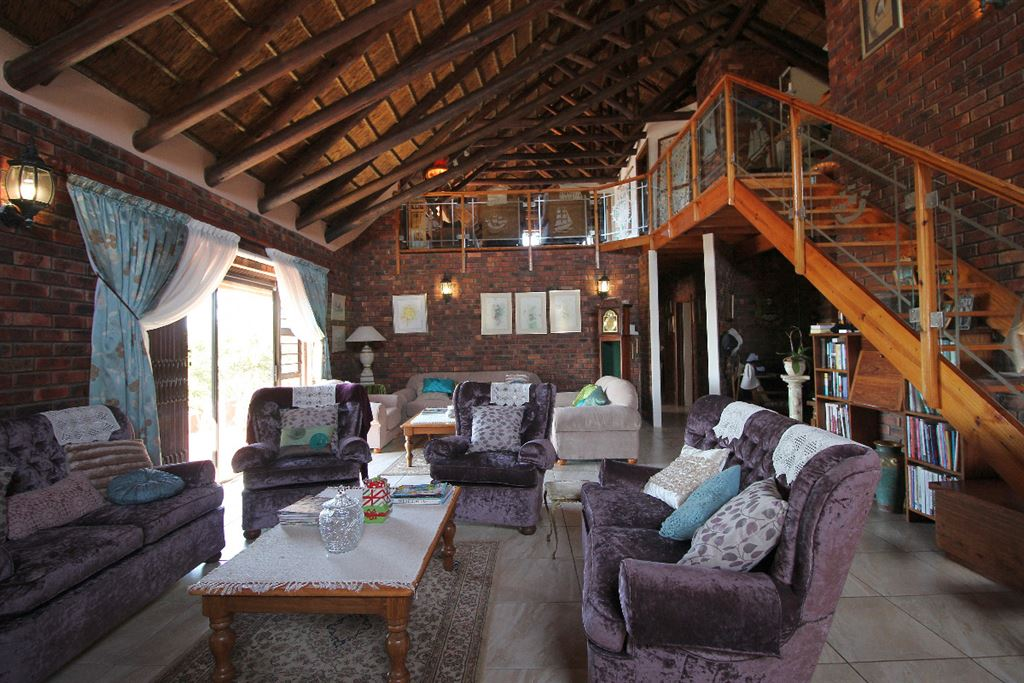5 Bedroom 3 Bathroom Lodge at the top of the dune