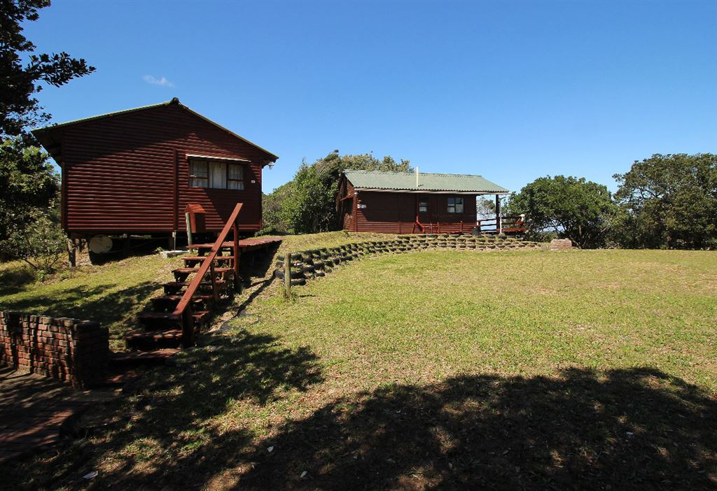 The chalets are free standing, each with its own deck and braai area