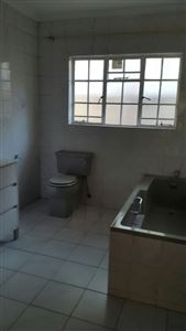Geelhoutpark property to rent. Ref No: 13547179. Picture no 12