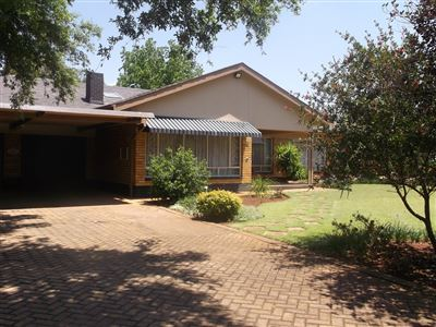 Klerksdorp, Wilkoppies Property  | Houses For Sale Wilkoppies, Wilkoppies, House 5 bedrooms property for sale Price:1,450,000