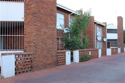Bloemfontein, Willows Property  | Houses For Sale Willows, Willows, Flats 2 bedrooms property for sale Price:650,000