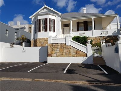 Sea Point property for sale. Ref No: 13548220. Picture no 1