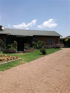 Property and Houses for sale in Witbank Xx Ext, House, 3 Bedrooms - ZAR 1,050,000