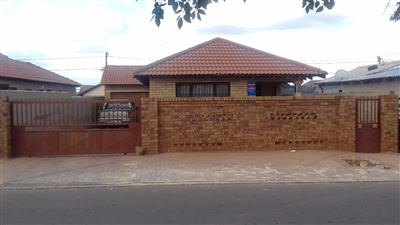 Soweto, Protea Glen Property  | Houses For Sale Protea Glen, Protea Glen, House 4 bedrooms property for sale Price:780,000