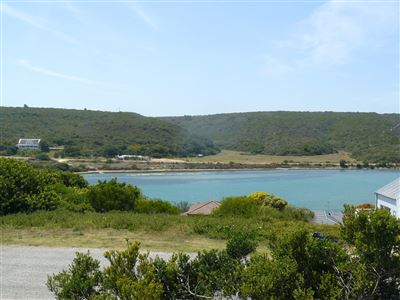 Stilbaai Wes property for sale. Ref No: 13549279. Picture no 22