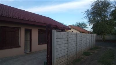 Rustenburg, Rustenburg North Property  | Houses For Sale Rustenburg North, Rustenburg North, House 3 bedrooms property for sale Price:630,000