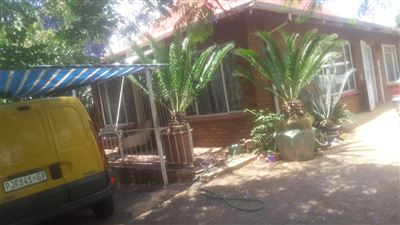 Property and Houses for sale in Sunnyside, House, 3 Bedrooms - ZAR 1,790,000