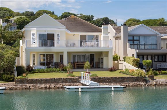 Elegant Four Bedroom Home on the Royal Alfred Marina