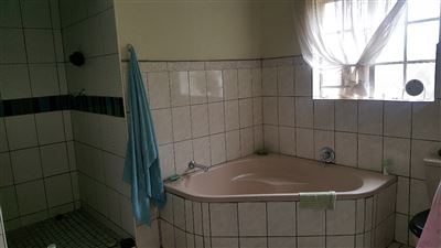 Derdepoort property for sale. Ref No: 13551745. Picture no 37