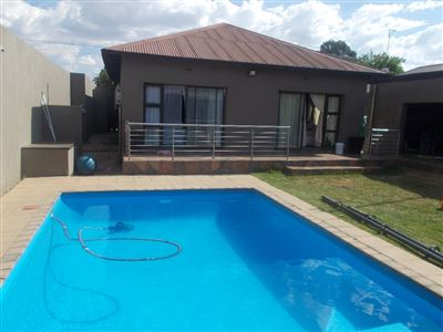 Johannesburg, Roseacres Property  | Houses For Sale Roseacres, Roseacres, House 3 bedrooms property for sale Price:1,400,000