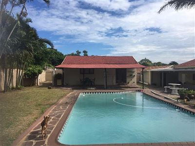House for sale in Athlone Park