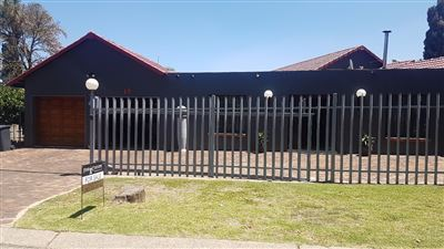 Alberton, Brackendowns Property  | Houses For Sale Brackendowns, Brackendowns, House 3 bedrooms property for sale Price:1,650,000