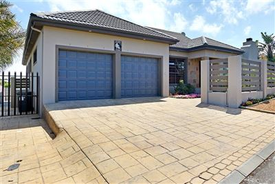 House for sale in Protea Heights