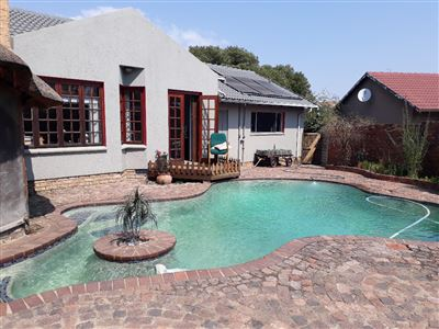 Alberton, Verwoerdpark Property  | Houses For Sale Verwoerdpark, Verwoerdpark, House 3 bedrooms property for sale Price:1,995,000