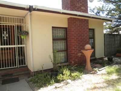 Bellville, Oakglen Property  | Houses To Rent Oakglen, Oakglen, House 3 bedrooms property to rent Price:, 12,00*