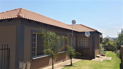 Centurion, Thatchfield Property  | Houses For Sale Thatchfield, Thatchfield, House 4 bedrooms property for sale Price:1,620,000