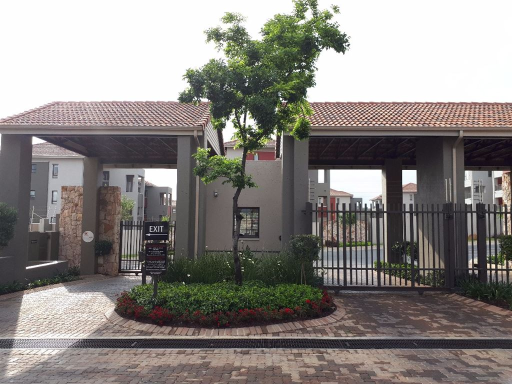 Modern One Bed Loft Apartment For Sale in Lonehill