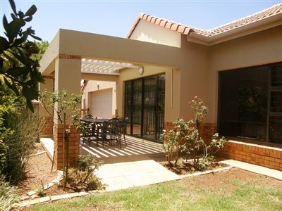 Property and Houses for sale in Hazeldean, House, 3 Bedrooms - ZAR 3,250,000