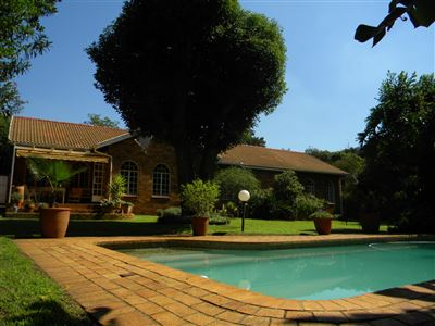 Property and Houses for sale in Meyerspark, House, 4 Bedrooms - ZAR 1,890,000