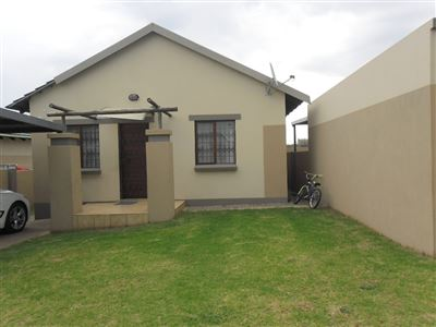 Witbank, Tasbet Park And Ext Property  | Houses For Sale Tasbet Park And Ext, Tasbet Park And Ext, Townhouse 2 bedrooms property for sale Price:620,000
