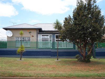 Krugersdorp, Krugersdorp North Property  | Houses For Sale Krugersdorp North, Krugersdorp North, House 3 bedrooms property for sale Price:795,000