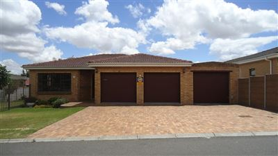 Durbanville, Sonstraal Heights Property  | Houses For Sale Sonstraal Heights, Sonstraal Heights, House 3 bedrooms property for sale Price:2,750,000