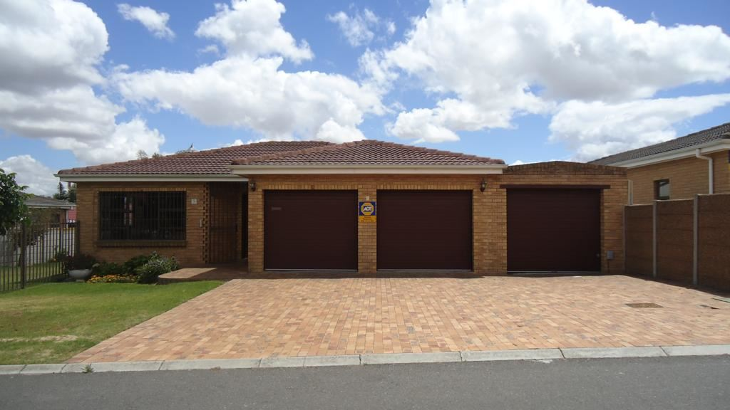 Immaculate in Sonstraal Heights, Durbanville