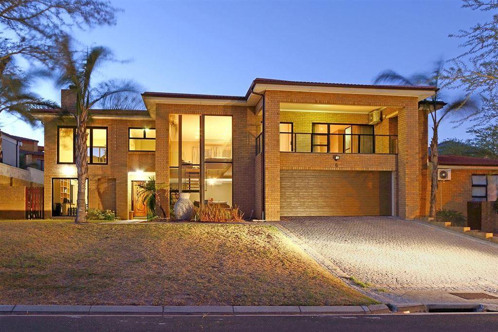 Ultra Modern Home in Kleinbron Estate, Brackenfell