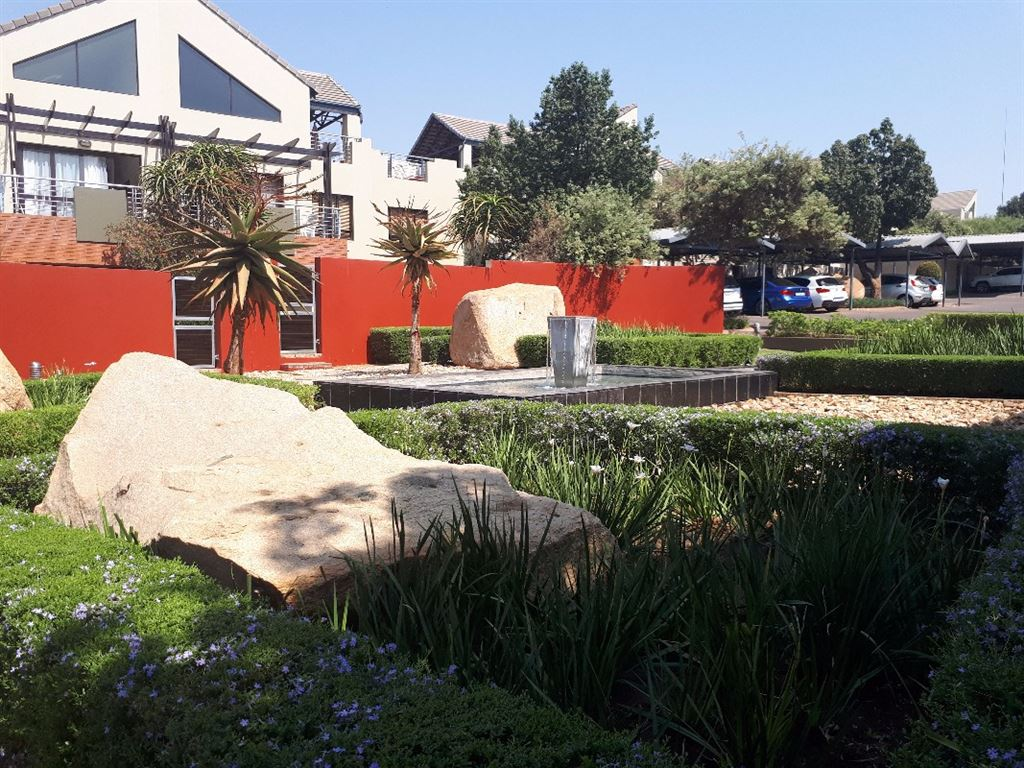 Modern Loft Apartment for Sale in Lonehill