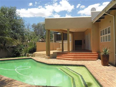 Property and Houses for sale in Reyno Ridge And Ext, House, 4 Bedrooms - ZAR 2,100,000