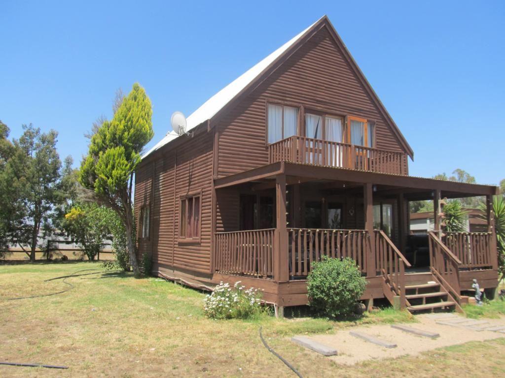 Opportunity -4 Bedrooms - Wooden Cabin - Kalbaskraal