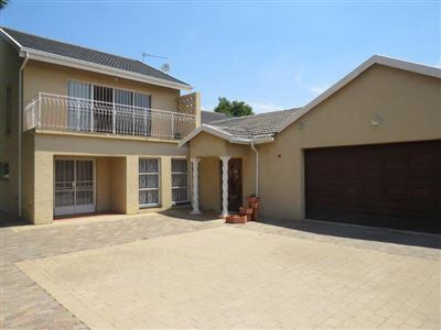 House for sale in Brackenhurst