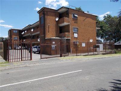 Johannesburg, Haddon Property  | Houses For Sale Haddon, Haddon, Apartment 2 bedrooms property for sale Price:450,000