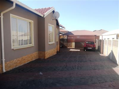 Tlhabane West property for sale. Ref No: 13561545. Picture no 5