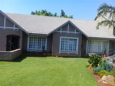 Property and Houses for sale in Theresapark, House, 4 Bedrooms - ZAR 2,100,000