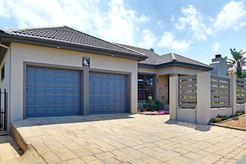 5 Bedroom, Entertainers Home in Protea Heights, Brackenfell