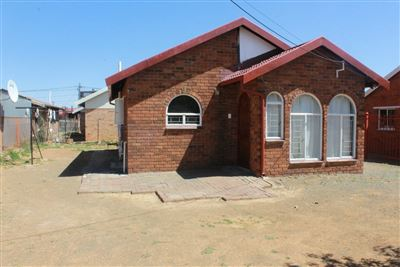 Bloemfontein, Bloemside Property  | Houses For Sale Bloemside, Bloemside, House 2 bedrooms property for sale Price:575,000