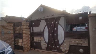 Rustenburg, Boitekong Property  | Houses For Sale Boitekong, Boitekong, House 3 bedrooms property for sale Price:550,000